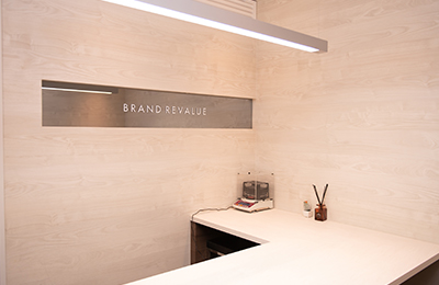 BRAND REVALUE - 急成長する新興ブランド!直営店の月の営業利益は平均400万円