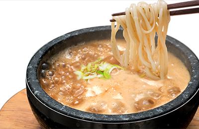 濃厚つけ麺 風雲丸 - 摂氏300度の石鍋火山!「石焼つけ麺」で差別化を実現